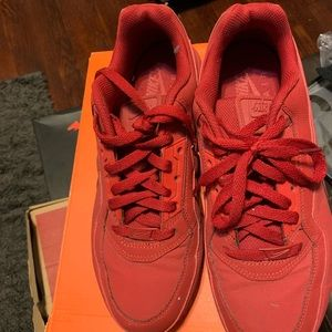 Red Airmax